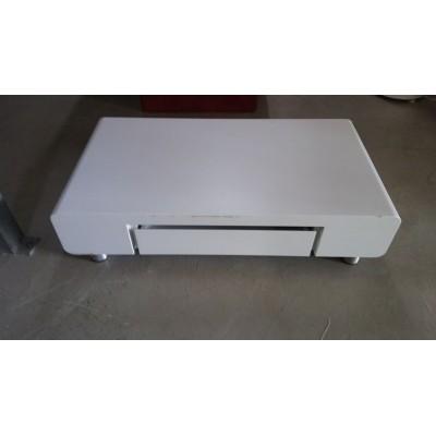 Fehér dohányzóasztal