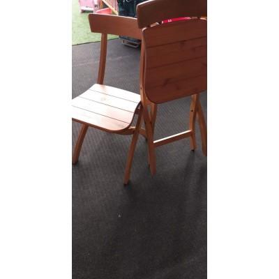 2 db fenyőfa összecsukható szék