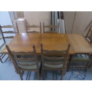 Tölgyfa asztal 6 székkel