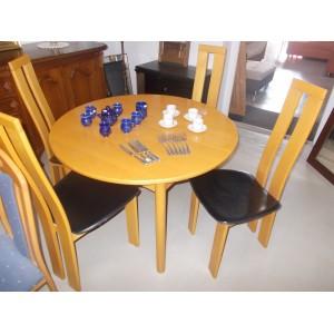 4 Személyes étkezőgarnitúra, bővíthető asztallal,