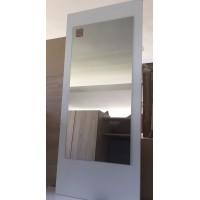 Fehér bútorlapra ragasztott tükör