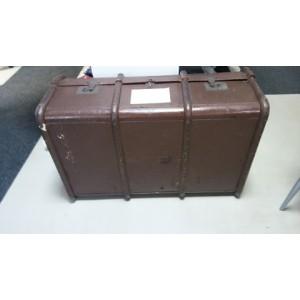 Antik utazóbőrönd vagy hajóláda