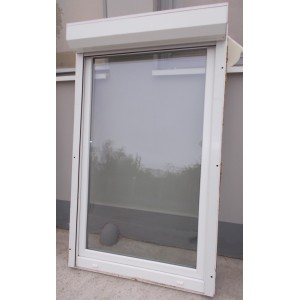 Bontott redőnyös, fehér műanyag(102x172)