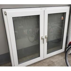2 szárnyú, bukó-nyíló műanyag ablak(147x121)