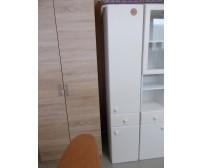 Fürdőszobai álló szekrény