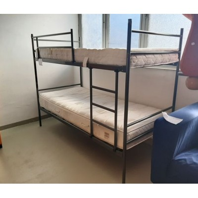 Fém emeletes ágy