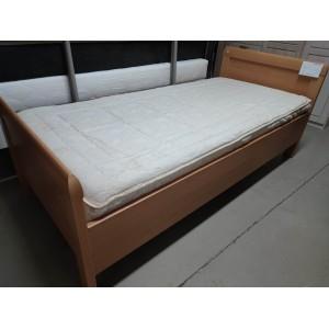 Egyszemélyes ágykeret matraccal