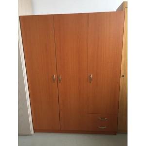 Kisméretű 3 ajtós, 2 fiókos gardróbszekrény