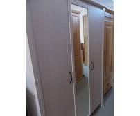 Fehér tükrös gardróbszekrény 130cm