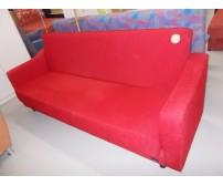 Piros, ágyazható kanapé