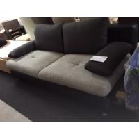Ágyazható kanapé díszpárnákkal