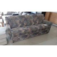 Ágyneműtartóval ellátott kattintós kanapé