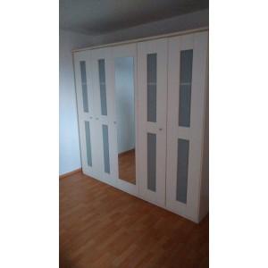 5 ajtós ,tükrös,fehér bútorlapos gardrób szekrény