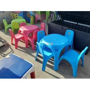 Minőségi curver gyerekasztal 4db székkel