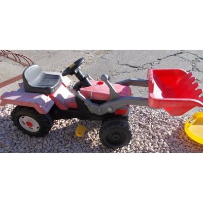 Lábbal hajtható játék traktor