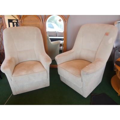 Kényelmes ülőfelületű fotel