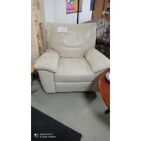 Vaj színű bőr fotel