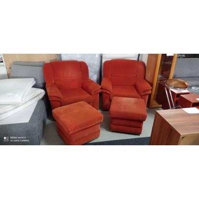 Karfás műbőr fotelek fekete színben