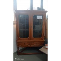 Nagy méretű vitrines sarokkomód